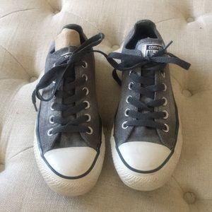 Low top converse women's  shoes